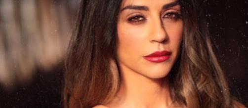 Uomini e donne: Raffaella Mennoia smentisce di essersi sposata