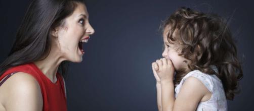 Como evitar comentários desagradáveis de terceiros sobre seu filho. (Arquivo Blasting News)