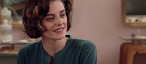 Federica Girardello in una scena de Il Paradiso delle Signore mentre interpreta Nicoletta Cattaneo