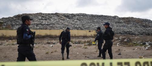 Canibalismo y brujería: las masacres narco que la series no se ... - infobae.com