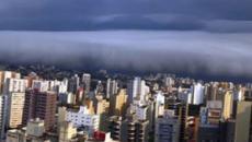 Moradores de Campinas (SP) registram passagem de nuvem rolo pela região