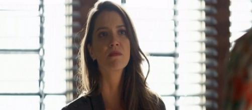 Fabiana jogará Josiane da janela da fábrica (Reprodução/TV Globo)