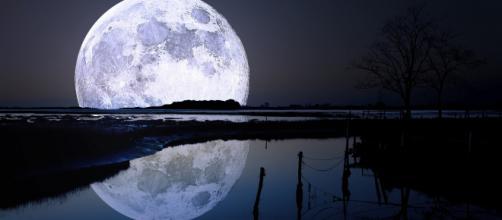 Oroscopo del giorno 9 settembre 2019 | Astrologia, classifica e previsioni: la Luna approda in Acquario