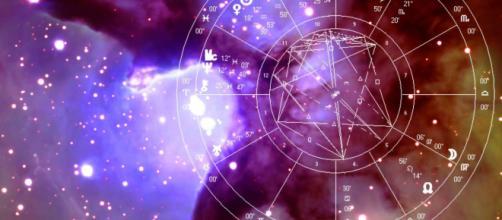 Oroscopo di domani 19 marzo 2019 | Astrologia, classifica e previsioni: la Luna arriva nel segno della Vergine
