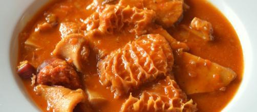 Los callos a la Madrileña, una de las principales delicias gastronómicas que ofrece España. - pinterest.com