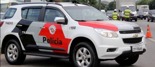 Polícia predeu os homens na segunda-feira (02). (Arquivo Blasting News)