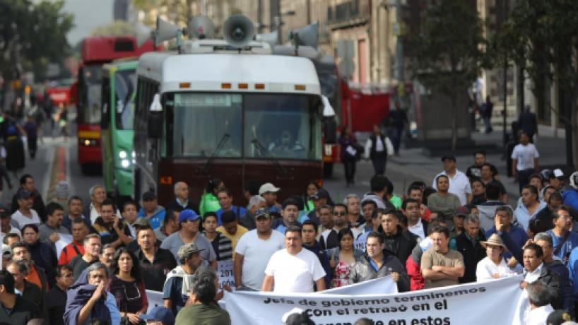 Transportistas protestaron en el Zócalo de CDMX, exigen un aumento en las tarifas