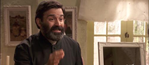 Anticipazioni Il Segreto: Don Berengario lascia l'abito talare per amore