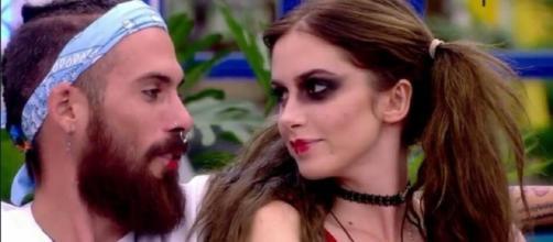José María y Carlota, en la casa de 'Gran Hermano Revolution'. / Mediaset