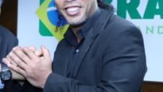 Ronaldinho é nomeado como embaixador do turismo, mesmo com passaporte retido