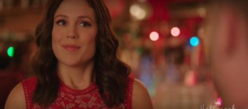 "Erin Krakow of ""When Calls the Heart"" is ready to share the Christmas spirit with fans. [Image source:Hallmark Channel-YouTube]"