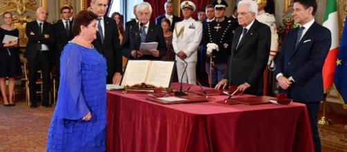Governo, insulti al neo-ministro dell'Agricoltura Teresa Bellanova