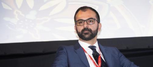 Fioramonti è il nuovo Ministro dell'Istruzione.