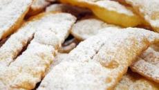 Le chiacchiere: i dolci croccanti tipici di Carnevale adatti a tutti