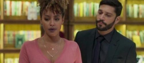 """""""Bom Sucesso"""": Diogo faz Gisele de refém. (Reprodução/Rede Globo)"""