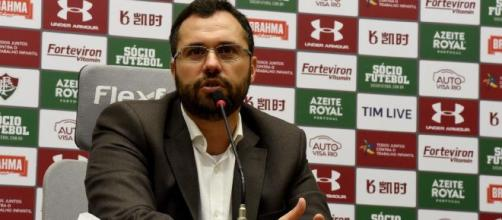 Mário Bittencourt afirma que Fluminense irá notificar o Liverpool. (Arquivo Blasting News)