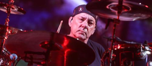 Morreu a lenda da bateria Neil Peart aos 67 anos. (Arquivo Blasting News)
