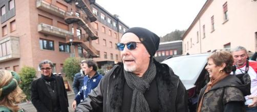 Vasco Rossi all'ospedale Rizzoli per incontrare i bimbi malati