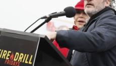 Joaquin Phoenix e Martin Sheen arrestati per la protesta sul clima