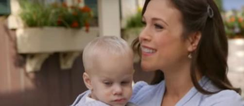 Christmas ratings give Erin Krakow and everyone with 'When Calls the Heart' reason to smile. [Image source: ET/YouTube]