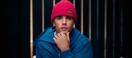 Justin Bieber demande à ses fans de tricher pour que son nouveau titres soit dans le classement top charts. Credit: Instagram/justinbieber