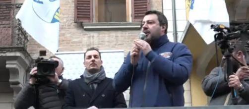 Matteo Salvini durante il comizio di Imola