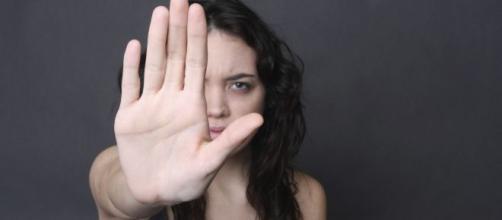 Vítima de violência doméstica poderá comprar carro com isenção de imposto. (Arquivo Blasting News)