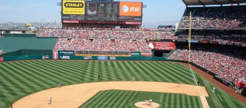 An image of Angels Stadium. [image source: HerSilverHammer- Wikimedia Commons]