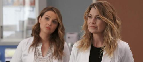 Camilla Luddington e Ellen Pompeo em Grey's Anatomy. (Divulgação/ABC/YouTube)