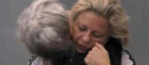 """Grande Fratello Vip, Antonella Elia in lacrime: """"Non mi sento a mio agio"""""""""""