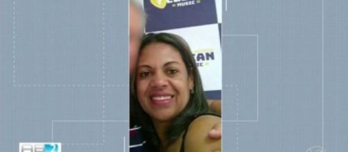 Mulher levou um tiro na cabeça. (Reprodução/TV Globo)