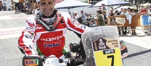 Piloto foi vice-campeão do Dakar em 2015 . (Arquivo Blasting News)