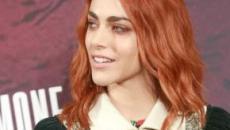 Tagli di capelli medi per l'inverno: il blunt cut, il bob e il colore rosso rame