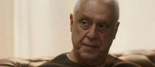 Alberto chamará Paloma para morar com ele em 'Bom Sucesso'. (Reprodução/TV Globo)