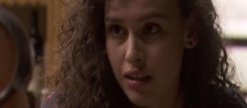 Anticipazioni Il Segreto: Ana propone alla sorella Lola di acquistare la fattoria di famiglia.