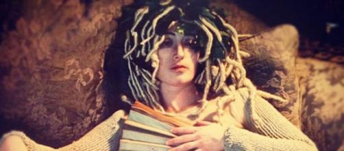 Cindy Sherman Doing Medusa (Image source: Flickr/Johanna)