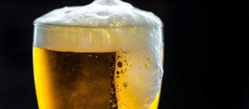 Laudo da polícia indica que cerveja pode ter causado doença. (Arquivo Blasting News)