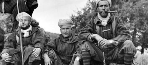 Foto di gruppo truppe coloniali