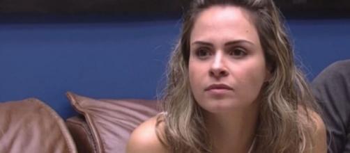 Ana Paula Renault durante uma das muitas discussões com Renan Oliveira, em quem aplicou dois tapas no rosto. (Reprodução/TV Globo)