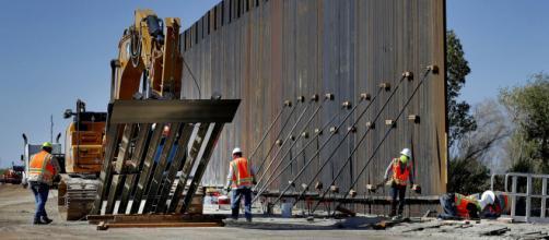 El muro fronterizo recibirá más inversiones gubernamentales. - apnews.com