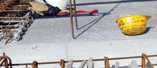 Incidente sul lavoro mortale ad Ancona