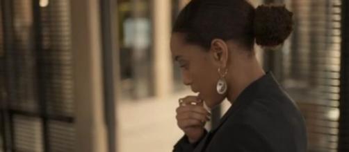 Vitória vive dilema em 'Amor de Mãe'. (Reprodução/TV Globo)