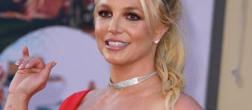 Britney Spears posando muy sonriente
