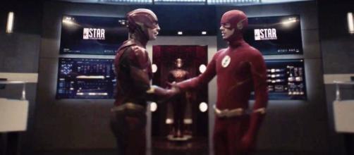 Crisi sulle Terre Infinite: il Flash di Grant Gustin incontra il Barry Allen di Ezra Miller