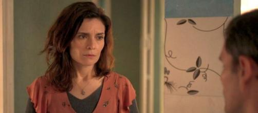Leila será desmascarada pelo ex-marido nos próximos capítulos de 'Amor de Mãe'. (Reprodução/TV Globo)
