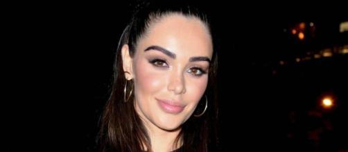Nabilla part à Los Angeles pour une nouvelle chirurgie esthétique hors de prix. @Snapchat : Aqababe.