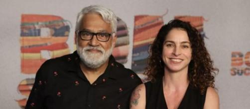"""Paulo Halm e Rosane Svartman durante a festa de lançamento de """"Bom Sucesso"""". (Reprodução/TV Globo)"""