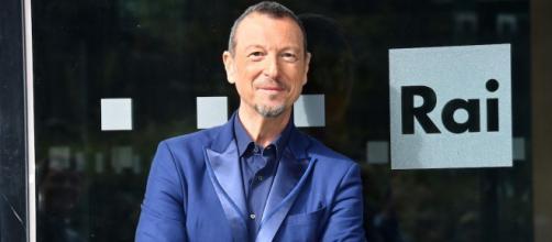 Sanremo, prime polemiche: Amadeus accusato di sessismo, Gregoraci contro Savino.