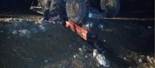 Un agricoltore di Ostuni ha perso la vita a causa del ribaltamento del suo trattore.