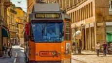 Milano: il sindaco Sala propone il divieto di fumo alle fermate degli autobus e dei tram